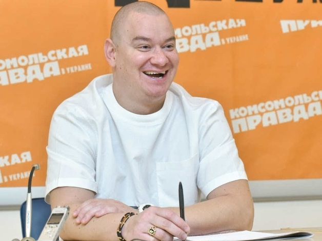 Друг Зеленского Кошевой пришел голосовать в футболке за 600 евро