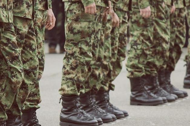 Двое военнослужащих Росгвардии торговали оружием в Краснодаре