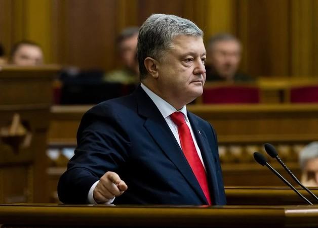 СМИ: Порошенко выехал из страны и отказался от госохраны