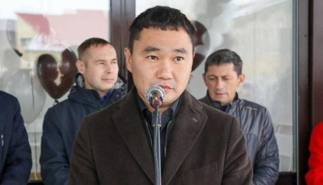 Обвиняемого в получении взятки вице-мэра Якутска отпустили под домашний арест
