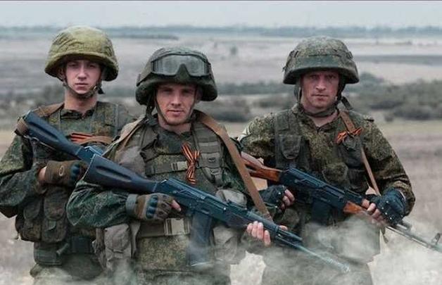 """В """"ДНР"""" случился масштабный конфликт между местными боевиками и россиянами, много раненых"""