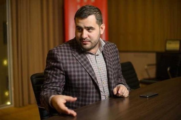 Довбенко Андрей Николаевич — не в меру упитанное недоразумение Курченко или смотрящий за Минюстом