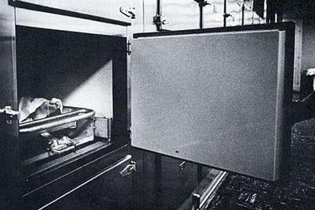 Сын фотографа рассказал о судьбе пленки с обнаженной Мерлин Монро на столе для вскрытия