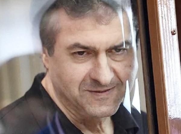 Донбасского миллиардера Мкртчана посадили в России на девять лет