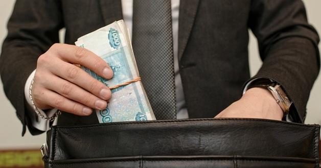 Более 222 млн рублей бюджетных денег уйдет на транспорт для руководства министерства образования и науки