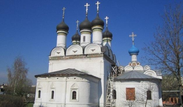 Неизвестные ограбили православный храм на северо-западе Москвы
