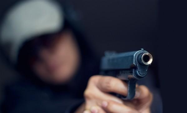 Подозреваемые в серии преступлений открыли огонь при задержании в Волгограде
