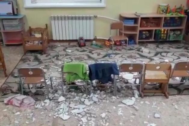 В детском саду Благовещенска на детей обвалился потолок