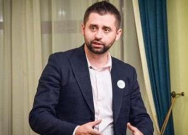 """""""Идите все лесом"""": Арахамия заявил, что партии не подают кандидатов в Кабмин"""