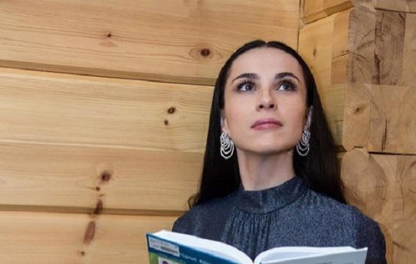 Наиля Аскер-Заде в окружении Клиновских, Юшваева и Голубкова