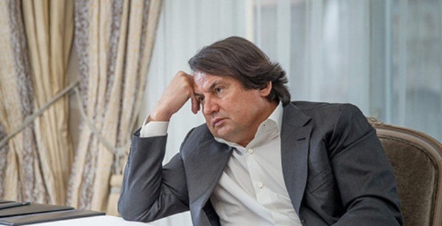 """Рустам Тарико """"выжимает"""" свой банк?"""