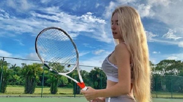 Кардашьян отдыхает: украинская теннисистка взрывает Instagram откровенными снимками