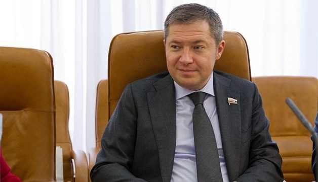 Подельница беглого экс-сенатора Кривицкого получила срок за передачу 17 млн рублей взятки