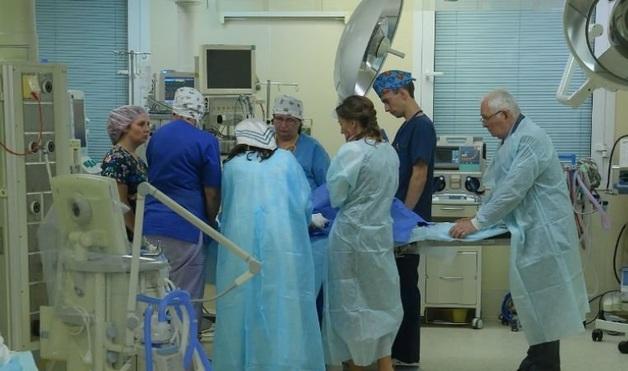 Ростовские врачи ампутировали руку ребенку, вовремя не заметив заражение