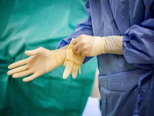 Педофил в белом халате: во Франции хирурга подозревают в изнасиловании под наркозом 250 детей
