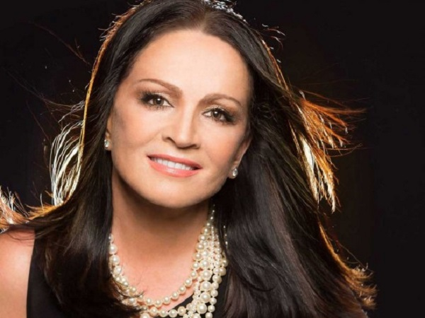 Директор Софии Ротару прокомментировал слухи о ее лечении от рака