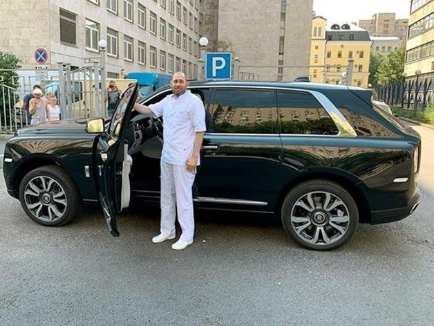 Семён Слепаков похвастался машиной за 30 миллионов