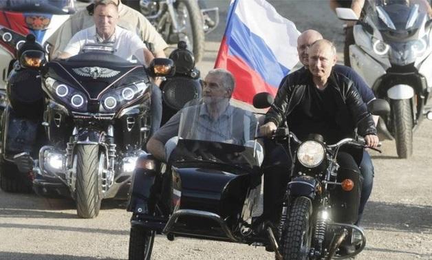 В ГИБДД отказались штрафовать Путина за езду без шлема
