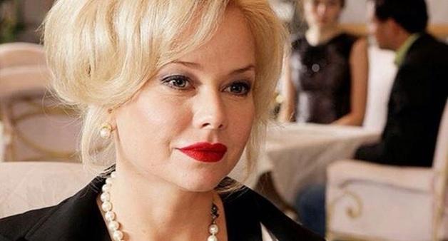 «Пришло время для себя любимой»: Секс-символ российского кино нашла свою любовь в 47 лет