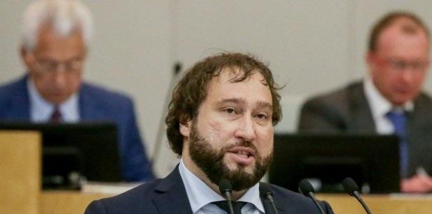 Кемеровские интриги и московский самопиар Антона Горелкина