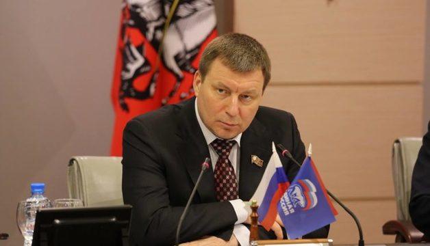 Главного московского единоросса уличили во лжи в суде под присягой