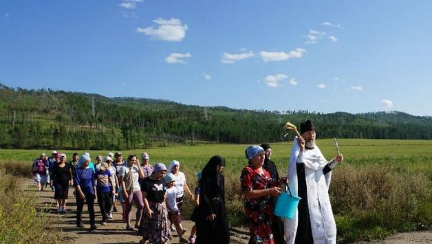 Глава села в Бурятии решила бороться с раком крестными ходами