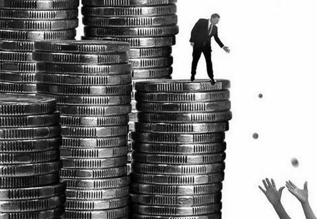 Просрочка россиян по кредитам подбирается к кризисному уровню