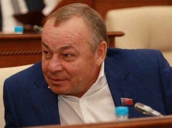 У Си Си Кетч обнаружился родственник — алтайский коммунист Владимир Попов