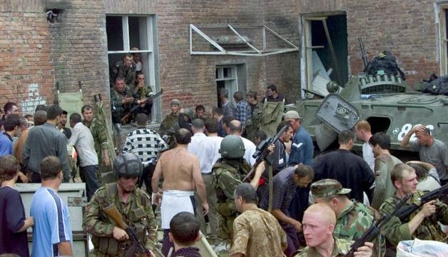 Треть россиян считает, что спецслужбы виноваты в гибели детей в Беслане