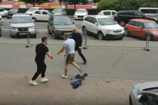 Дело автохамов на «Роллс-Ройсе», напавших на пешехода в Петербурге, передано в суд