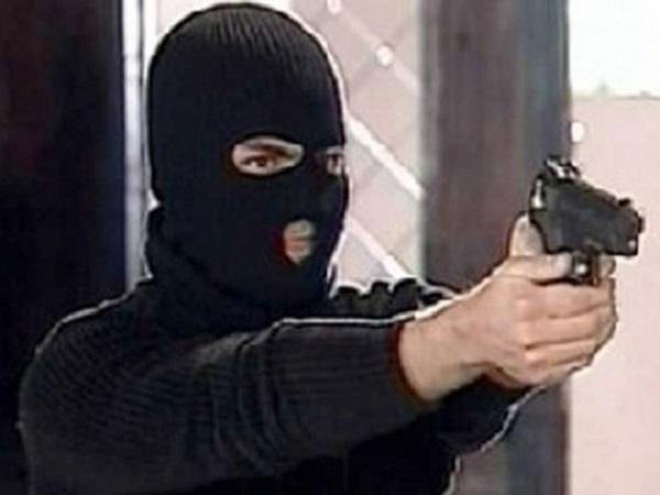 В Черкасской области налетчики ранили работника АЗС и похитили 25 тысяч гривен