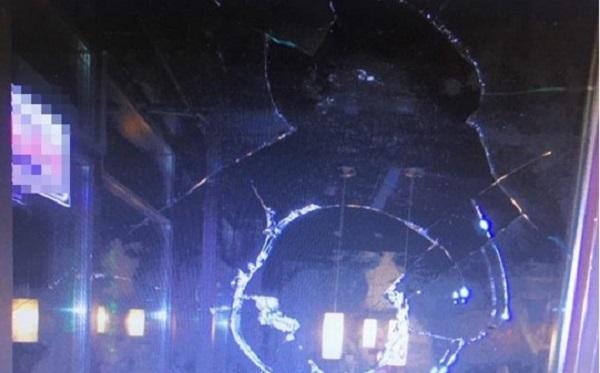 Две компании повздорили в киевском кафе и пустили в ход оружие: есть раненые