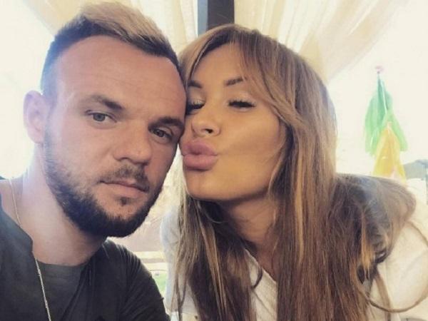 «Поцелуйчик на моих сисях»: жена экс-футболиста сборной Украины похвасталась интимным тату