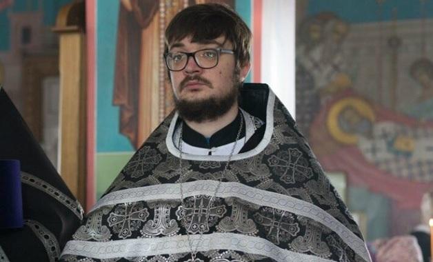 Южноуральский священник, избивший пенсионерку, посоветовал женщине «остудить пукан»