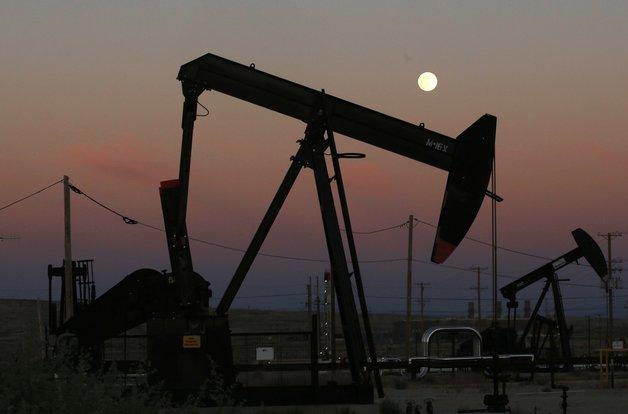 Добыча нефти в Саудовской Аравии упала вдвое после атаки беспилотников