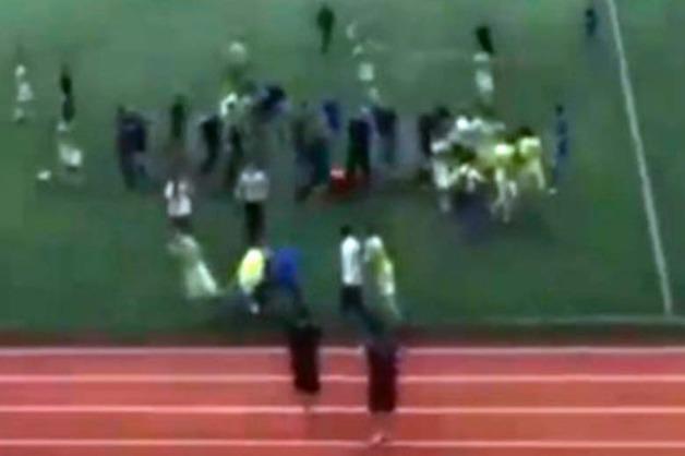 В Махачкале две футбольные команды подрались во время матча
