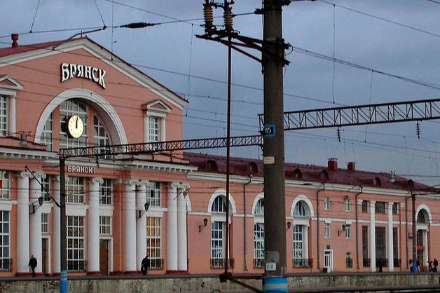 На вокзале в Брянске застрелили двух сотрудников спецсвязи