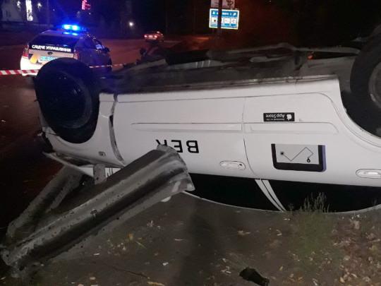 В Киеве такси с пассажиром попало в страшную аварию