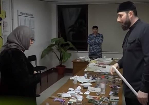 В Чечне задержали троих человек за «колдовство». Они покаялись в эфире местного телеканала