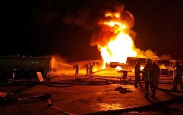 В Киеве сгорели 9 бензовозов: видео