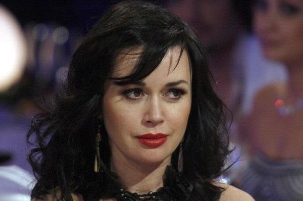 Опухоль Заворотнюк неоперабельная: СМИ узнали неутешительные прогнозы о состоянии актрисы