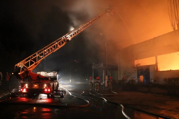 Пожар на складе матрасов: Владелец «Венето» Бродский подозревает в поджоге Фукса