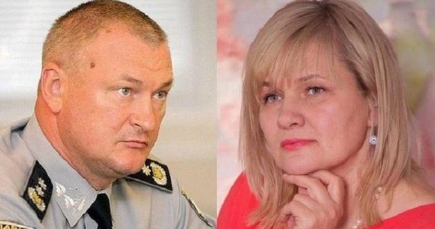 """Миллионы кэша и белый """"Мерседес"""". Что произошло с бывшей женой главы Нацполиции на польской границе"""