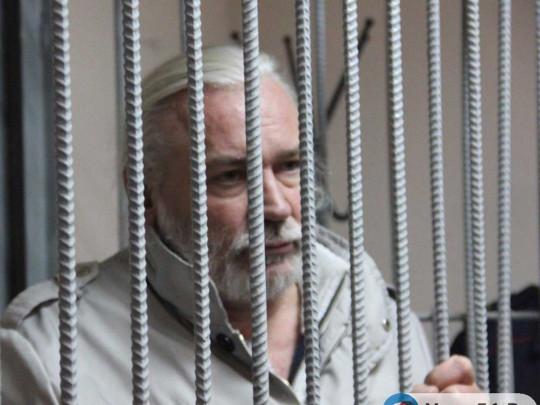 Педофил в рясе: российского священника с 70 приемными детьми обвинили в изнасилованиях
