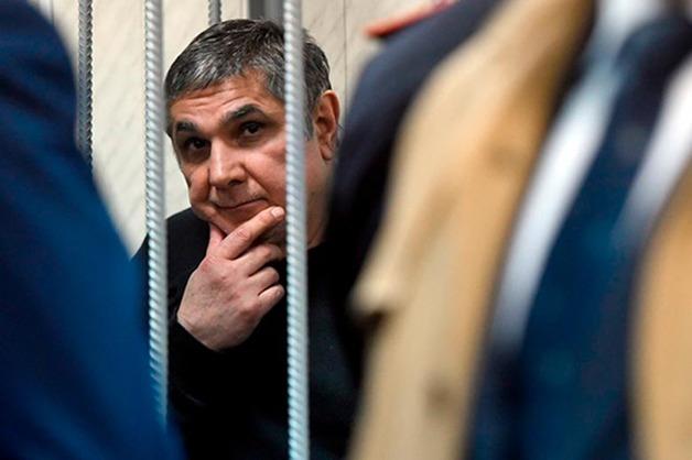 Cледователям не удалось доказать получение офицерами СКР взятки от Шакро Молодого