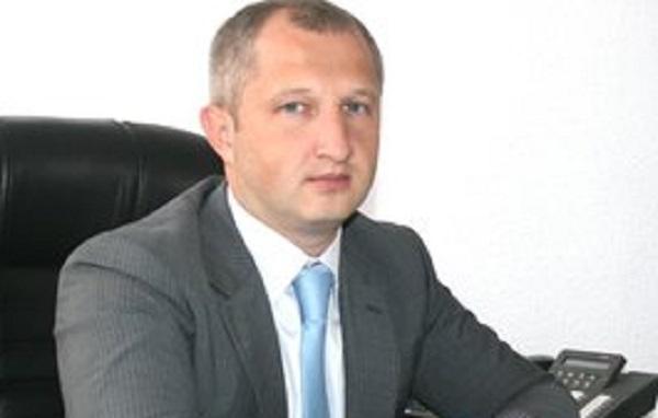 Верланов готовит повышение для скандального львовского налоговика Витыка, - журналист