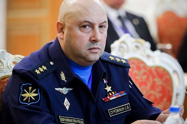 Главком ВКС дал указание убрать цветы и картины из кабинетов командиров