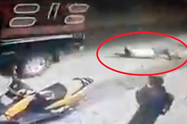 В Мексике мэра города проволокли по улице привязанным к пикапу, потому что он не построил дорогу