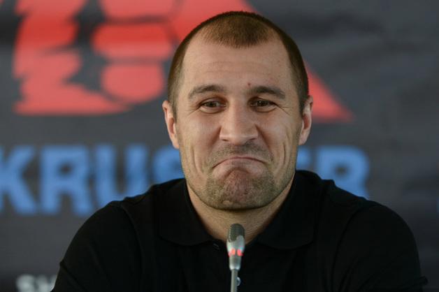 Уральского боксера судят в США за избиение девушки