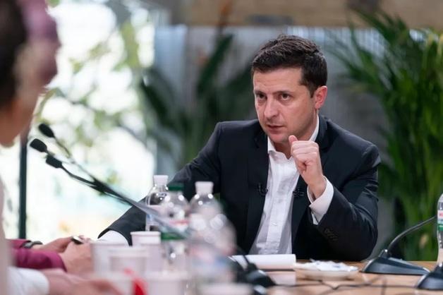 Зеленский обвинил нардепа Столара в махинации с недвижимостью в Киеве